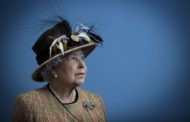 Queen Caught Off Camera Saying Chinese Officials 'Very Rude'