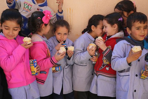 UN agency launches school meals program for Lebanese and Syrian children