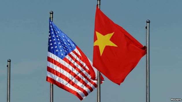 US Reviews Policy on Arms Transfer to Vietnam